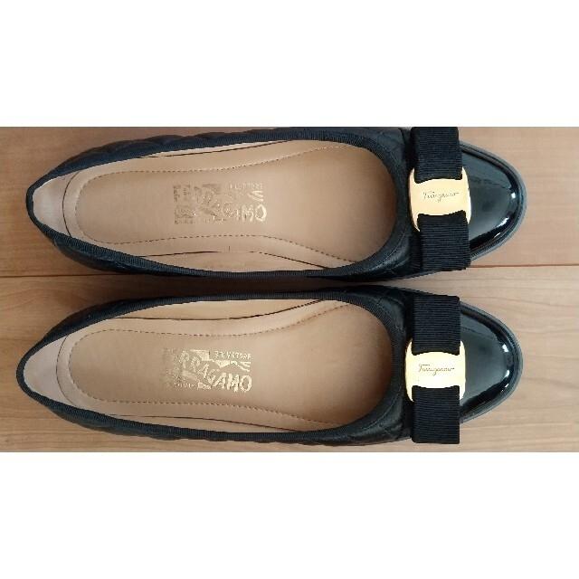 Salvatore Ferragamo(サルヴァトーレフェラガモ)のFerragamo シューズ レディースの靴/シューズ(バレエシューズ)の商品写真