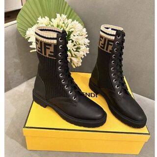 FENDI  ブーツ  22.5-25cm
