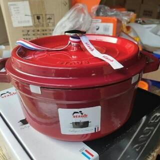 ストウブ(STAUB)の22cm 鋳鉄STAUBエナメル鍋(食器)