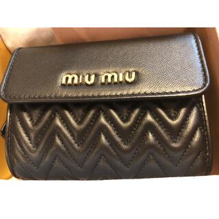 miumiu - 【新品】MiuMiu 黒の折り畳み財布