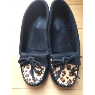 ミネトンカ(Minnetonka)のミネトンカ レオパード柄(ローファー/革靴)