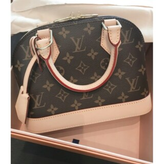 LOUIS VUITTON - LOUIS☆●VUITTONショルダーバッグ