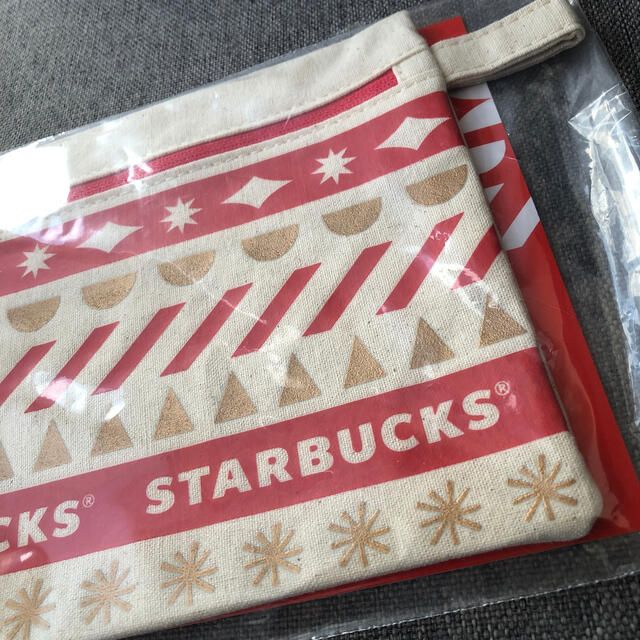 Starbucks Coffee(スターバックスコーヒー)のスタバホリデー 2020ノベルティポーチ ★未開封★ ポーチ スタバ エンタメ/ホビーのコレクション(ノベルティグッズ)の商品写真