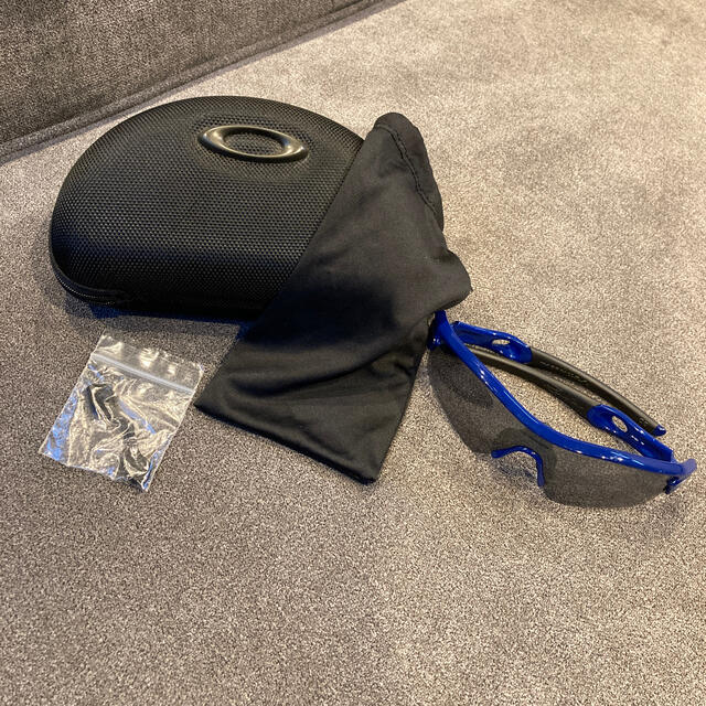 Oakley(オークリー)のオークリーサングラス メンズのファッション小物(サングラス/メガネ)の商品写真