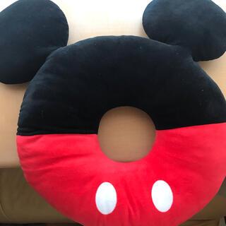 Disney - 【美品】ミッキー円座クッション
