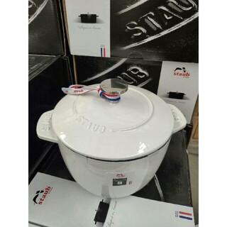 ストウブ(STAUB)の新品 16cm 鋳鉄STAUB  エナメル鍋(食器)