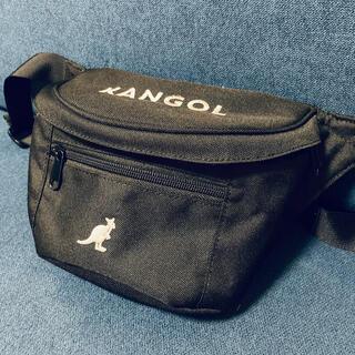カンゴール(KANGOL)の【美品】KANGOL×FREAK'S STORE ボディーバッグ ブラック 黒(ボディーバッグ)