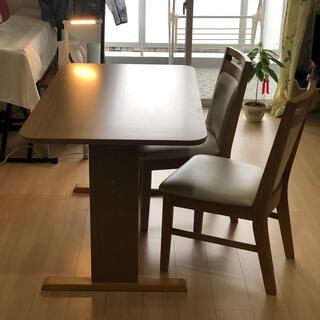 ニトリ(ニトリ)のニトリ  ダイニングテーブル 椅子(定価1万円)2個付き 2019年購入(ダイニングテーブル)