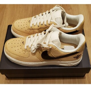 NIKE - Nike Air Force 1 Manchester Bee