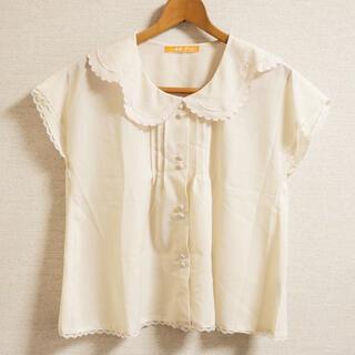 フィント(F i.n.t)のFi.n.t リボンスカラップ襟フレンチブラウス(シャツ/ブラウス(半袖/袖なし))