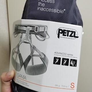 ペツル(PETZL)の未使用 Petzl SAMA ペツル サマ クライミングハーネス(登山用品)