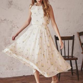 Noela - ノエラ フラワー刺繍スカート