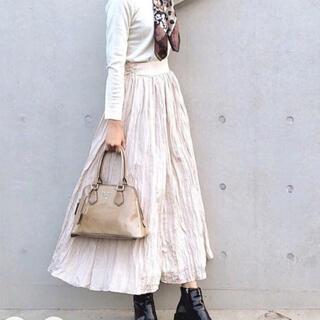 Lily Brown - しわ加工ロングスカート ベージュ リリーブラウン