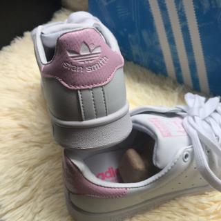 アディダス(adidas)の新品 adidas スニーカー pink(スニーカー)