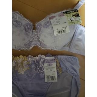 新品 紫 花柄 レディース ブラジャーC 70 & L サイズ ショーツ