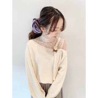 Lily Brown - Lily Brown レース切替ワンショルニット