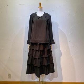カネコイサオ(KANEKO ISAO)のカネコイサオ ブラウス&スカートのセットウエストお直し有り❣️人工スウェード素材(セット/コーデ)