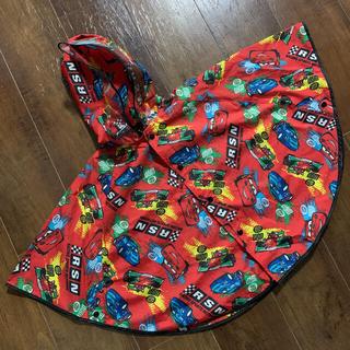ディズニー(Disney)のカーズ♡ポンチョ型レインコート♡赤/男の子/80cm〜95cm(レインコート)