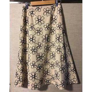 シビラ(Sybilla)のシビラ 花柄刺繍スカート(ひざ丈スカート)