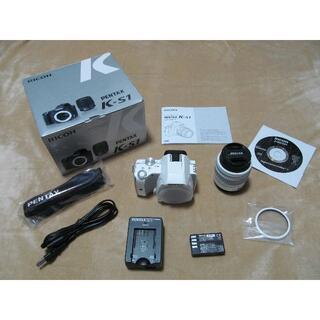 PENTAX - 【付属品完備】PENTAX K-S1(ホワイト)一眼レフカメラセット(レンズ付)