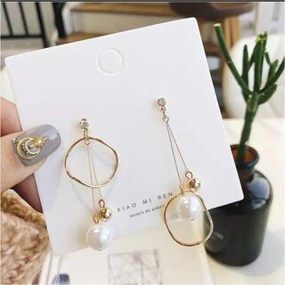 サークル真珠ロングピアス ゴールドロングピアス 左右非対称のかわいいピアス