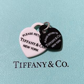 Tiffany & Co. - ティファニー モノクロ プラスチック チャーム ネックレス ペンダント 黒 白