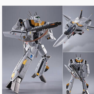 マクロス(macros)のDX超合金 初回限定版 VF-1S バルキリー ロイ・フォッカースペシャル(アニメ/ゲーム)