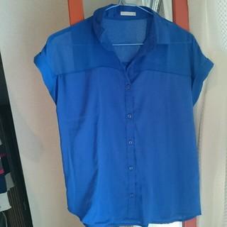 ジーユー(GU)のブルー カットソー シャツ(シャツ/ブラウス(半袖/袖なし))