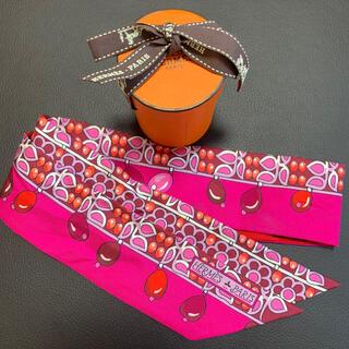 エルメス(Hermes)のHERMES ツイリー マハラジャの装身具・デタイユ フューシャーピンク/(バンダナ/スカーフ)