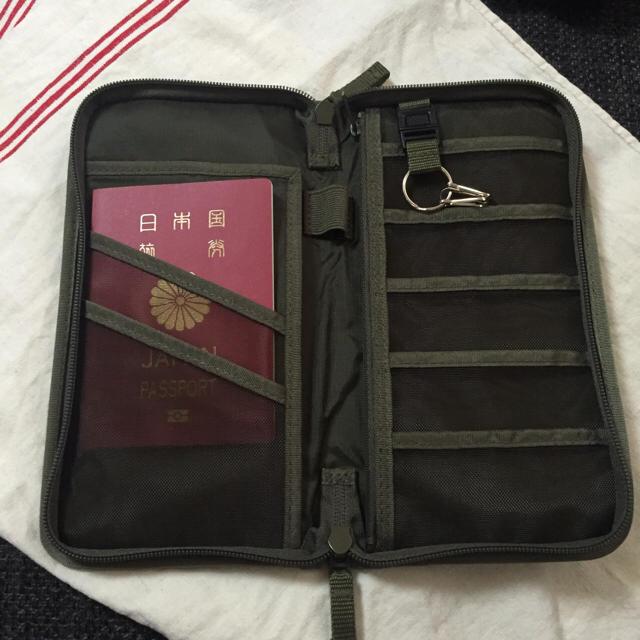 MUJI (無印良品)(ムジルシリョウヒン)の無印  パスポートケース インテリア/住まい/日用品の日用品/生活雑貨/旅行(旅行用品)の商品写真