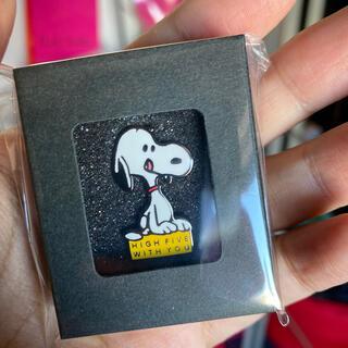 ピーナッツ(PEANUTS)のピーナッツカフェ中目黒 5周年記念 ピンズ 化粧箱入り(バッジ/ピンバッジ)
