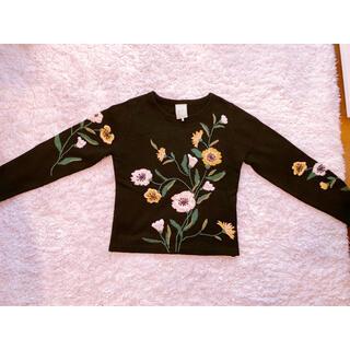 シビラ(Sybilla)のシビラ 花柄刺繍トップス(ニット/セーター)