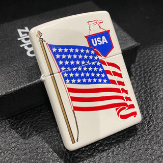 ジッポー(ZIPPO)の【ZIPPO】USA アメリカ 国旗 白 ジッポライター 箱付き(タバコグッズ)