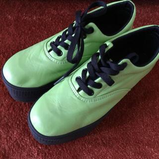 ウィゴー(WEGO)のWEGO 厚底シューズ グリーン 緑(ローファー/革靴)