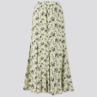 花 スカート ユニクロ 柄 オンオフ着まわす!大人の花柄スカートおすすめコーデ46選
