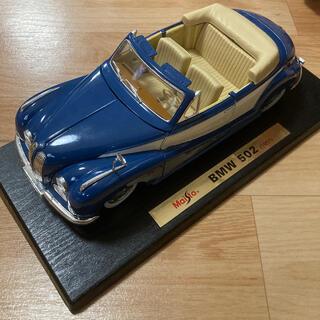 ビーエムダブリュー(BMW)のmaisto BMW502 1/18 スペシャルエディション 模型 クリスマス(模型/プラモデル)
