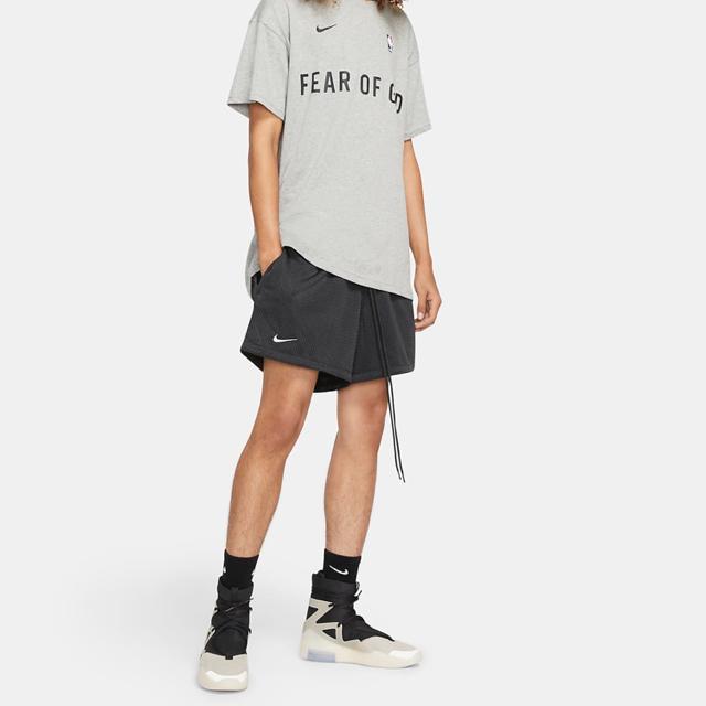 NIKE(ナイキ)の限定Sale US M FEAR OF GOD BASKET SHORTS メンズのパンツ(ショートパンツ)の商品写真