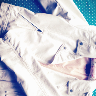 ホワイトレザージャケット(ライダースジャケット)
