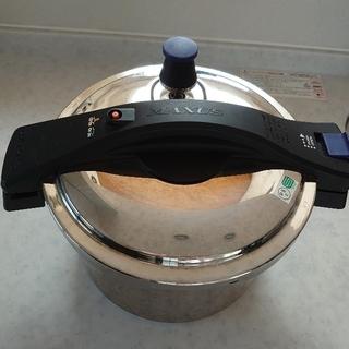 ワンダーシェフ(ワンダーシェフ)のワンダーシェフ ステンレス両手圧力鍋(鍋/フライパン)
