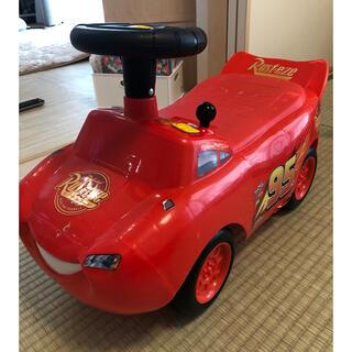 ディズニー(Disney)のカーズ足蹴り車(手押し車/カタカタ)