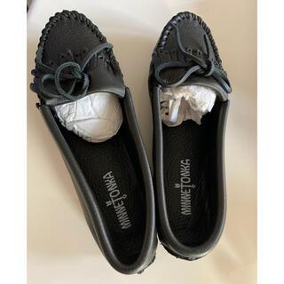 ミネトンカ(Minnetonka)の新品 ミネトンカ MINNETONKA ディアスキン(鹿革)ソフト モカシン (ローファー/革靴)