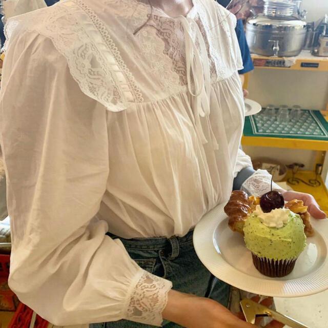 white lace vintage blouse♡ Treat ürself レディースのトップス(シャツ/ブラウス(長袖/七分))の商品写真