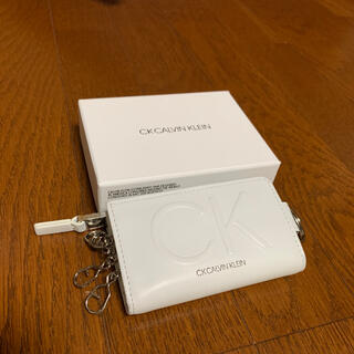 カルバンクライン(Calvin Klein)のCALVIN KLEIN 小銭入れ付きキーケース(コインケース/小銭入れ)