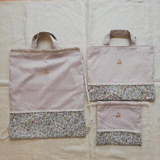 miinaさま専用ページ リバティ 巾着(外出用品)
