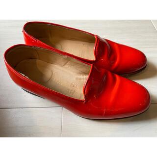 トゥモローランド(TOMORROWLAND)のDIEPPA RESTREPO ディエッパ レストレポ エナメルパンプス 赤 (ローファー/革靴)