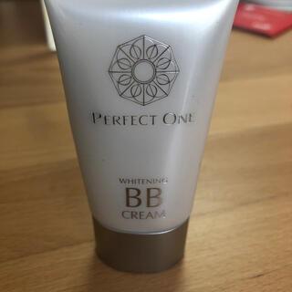 パーフェクトワン(PERFECT ONE)のパーフェクトワン 薬用ホワイトニング BBクリーム ナチュラル(BBクリーム)