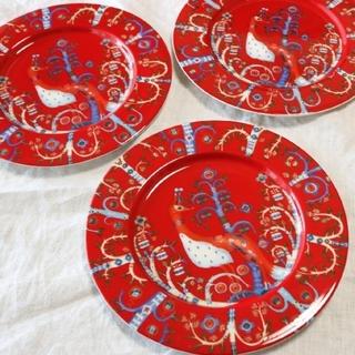 イッタラ(iittala)の●クリスマス祭●最終お値段!iittalaタイカプレート22cm三枚セットレッド(食器)