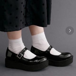 メルロー(merlot)のmerlot plus 厚底ベルト付きシューズ(ローファー/革靴)