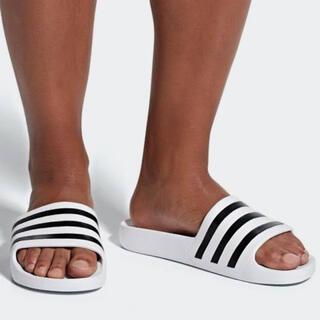 アディダス(adidas)の新品 アディダス アディレッタアクア ホワイト×ブラック 26.5cm(サンダル)