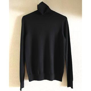 ユニクロ(UNIQLO)の【未使用】ユニクロ エクストラファインメリノタートルネックセーター ブラック S(ニット/セーター)
